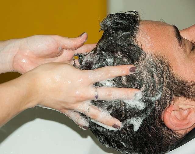 Shampoo con ylang ylang