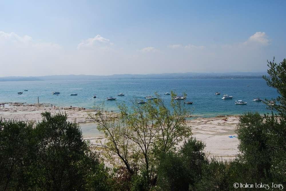 Jamaica Beach vista dalle Grotte di Catullo