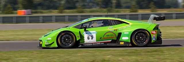 Guida una Lamborghini